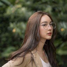 Portrait Photography Poses, Fashion Photography, Filipina Girls, Cute Korean Girl, Beautiful Gorgeous, Ulzzang Girl, Wattpad, Actresses, Long Hair Styles