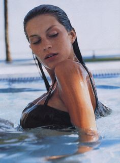 """Gisele Bündchen in """"Hot Ticket"""" by Gilles Bensimon for Elle US May 2000"""