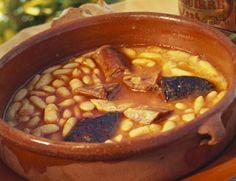 La mejor fabada de Madrid. Descubre dónde tomarla: http://www.mujeresreales.es/ocio/articulo/quien-hace-la-mejor-fabada-de-madrid-2016-791455523858
