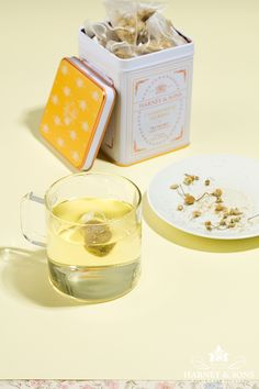 Harney & Sons sources only the finest chamomile flowers, of which we use only flower heads, from Egypt. The result? A premium herbal tea with definite body. Classic tin of 20 sachets. Each tea sachet brews a 12 oz cup. #drinktea