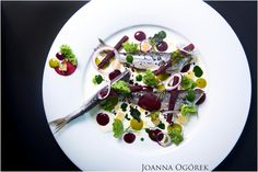 Sztuczka is a young and creative restaurant that stands out from the others with its culinary craft. Author's cuisine and tasting menu by chef Rafał Wałęsa. Ul, Catering, Cherry, Fruit, Places, Food, Catering Business, Gastronomia, Essen