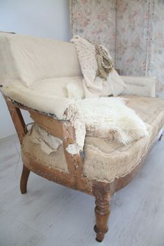Shabby sofa/ Vintage by nina Sofa | Sold | Servies & Brocante