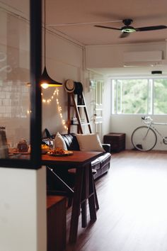 Note the orientation of the wooden floor that is perpendicular to the window as oppose to being parallel to the window