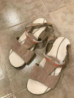038bbe87f93b Womens Easy Spirit Explore 24 Sumana Beige Suede Leather Sandals(Size 9)   fashion