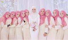 Bride and her babes Muslim Wedding Photos, Muslim Wedding Gown, Malay Wedding Dress, Muslimah Wedding Dress, Wedding Hijab, Wedding Pics, Wedding Gowns, Wedding Bells, Bridesmaid Poses