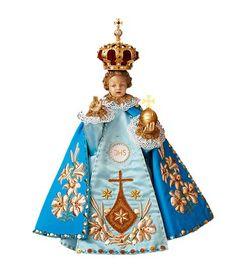 Dressing the Prague Infant Jesus Sto Nino, Jesus Crafts, Infant Of Prague, Jesus Clothes, Church Stage Design, Pattern Art, Art Patterns, Jesus Christus, Religious Icons