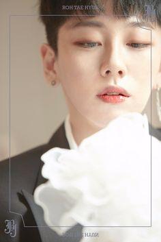 JBJ break free from their canvases in new teaser images for their debut Lee Sun, Kim Young, Kpop Backgrounds, Kwon Hyunbin, Wattpad, Hyun Bin, Break Free, Flower Boys, Korean Artist