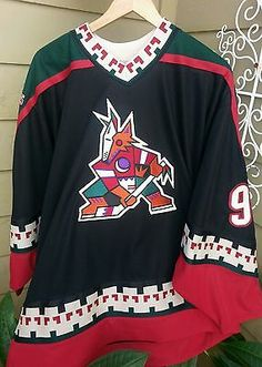 2995426b4 VTG PHX Coyotes Roenick Throwback Retro Masaka NHL Jersey Men s XL  Multi-Color  CCM  PhoenixCoyotes