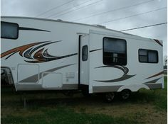 Get most affordable deals on Cheap Used 2009 ‪#‎Skyline‬ Layton ‪#‎Fifth_wheel‬ by Lakeland RV Center in Milton, WI, USA. Great condition and loaded is this 2009 Layton 5TH Wheel model. It has a rear living room complete with a fireplace, comfortable chair, couch that has a hide a bed, nice booth table that also drops down creating additional sleeping space and more. you can get more details to visit at: http://goo.gl/Ez6v53
