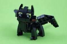 How to train your tiny dragon - Awesome LEGO Models - Lego Design, Lego Toys, Lego Duplo, Modele Lego, Lego Dragon, Lego Universe, Tiny Dragon, Lego Challenge, Lego Animals
