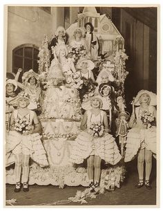 Wedding tableau, Sydney, ca. 1930 / Sam Hood by State Library of New South Wales collection, via Flickr