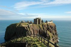 Dunnottar Castle, Stonehaven. | 14 Beautiful Abandoned Places In Britain