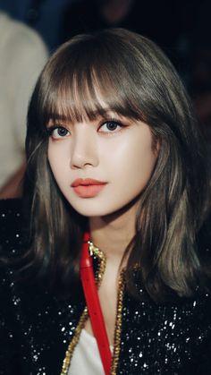 Check out Blackpink @ Iomoio Lisa Chan, Blackpink Lisa, Kim Jennie, Kpop Girl Groups, Kpop Girls, Korean Girl, Asian Girl, Lisa Black Pink, Lisa Blackpink Wallpaper
