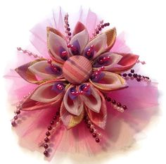 Fabric flower kanzashi hair clip accessory por CreativeDesigns4Love