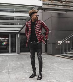Style by @abrahamdailydosis Via @gentwithstreetstyle Yes or no? Follow @mensfashion_guide for dope fashion posts! #mensguides #mensfashion_guide