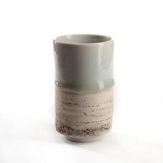 """www.dixing-shop.de Porzellan Tasse, """"Herbstlandschaft"""", blau/grün/weiss changierend. wird von dem jungen Keramikkünstler Jin Yuan Xü 徐进缘 gefertigt."""