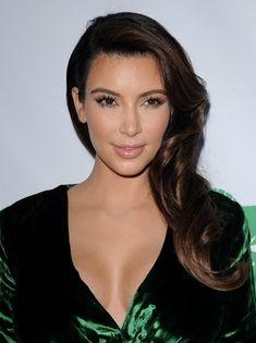 Kim Kardashian - cabelo lateral