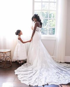 These are cuties! #blacksouthernbelle  Image reposted from  @southern_affairs  I am so in love with this photo of Abigail and her flower girl. Abigail was a dream client to work with. Look for Abigail & Ryan's wedding on our blog later today!  photographer | Jenny Martell photography  #dallasweddingplanner #dallaswedding #engaged #californiaweddingplanner #portlandwedding #fineartphotography  #stylemepretty #blacksouthernbelle #hbbusinesscoach #SoLoverly #bridebook #aisleperfect…