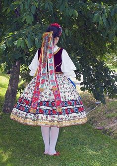 Sárközi Hungarian Women, Costumes Around The World, Hungarian Embroidery, Folk Dance, Europe Fashion, Folk Costume, Traditional Dresses, Folklore, Fashion Art