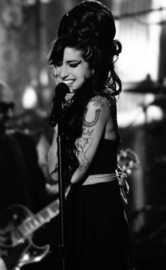 amy winehouse 35 Remembering Amy Winehouse one year later (36 photos)