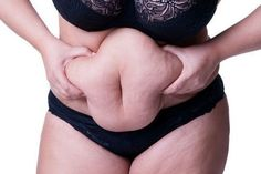 Perder peso es una de las cosas que más preocupan a las personas, y aunque para lograrlo es fundamental tener una buena alimentación y haces ejercicio, lo cierto es que existen diversos remedios naturales que nos pueden ayudar a lograr nuestro objetivo de manera rápida y segura.\r\n\r\n[ad]\r\nEste batido te ayudará a depurar el organismo, eliminar la retención de líquidos y acelerar el metabolismo, procesos que a su vez te ayudarán para bajar de peso.\r\n\r\n\r\n\r\nVas a perder peso con…
