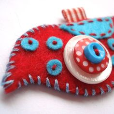 fantastic pendants made from felt and buttons - jewelry