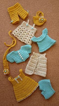 Crochet Doll Dress, Crochet Doll Clothes, Tiny Dolls, Cute Dolls, Crochet Bunny, Diy Crochet, Sewing Barbie Clothes, Amigurumi Doll, Doll Accessories