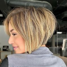 39 Inverted Bob Haircuts Trending Right Now Graduated Bob Haircuts, Stacked Bob Hairstyles, Inverted Bob Hairstyles, Bob Hairstyles With Bangs, Short Layered Haircuts, Best Bob Haircuts, Thin Hair Pixie, Short Thin Hair, Short Hair With Layers