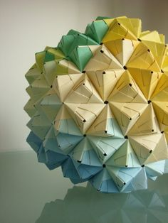 Modular Sonobe Origami Ball - blue, geen, yellow - 270 pieces by herConfederate… Origami Lamps, Instruções Origami, Origami And Kirigami, Origami Dragon, Paper Crafts Origami, Origami Stars, Oragami, 3d Origami Ball, Origami Boxes
