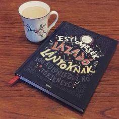Vasárnap délutáni lazítàs #mutimitolvasol #currentlyreading #estimeséklázadólányoknak #goodnightstoriesforrebelgirls #latte #coffee  #mug #cup #morakiado