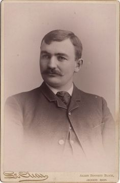 Cabinet Photo of a Victorian Gentleman taken in Portland, Oregon, USA around 1890s by the Le Clear Studio located at Allen Bennet Block.