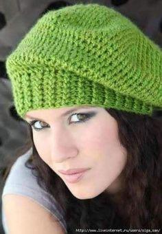 Zelená hačkovaná  baretka