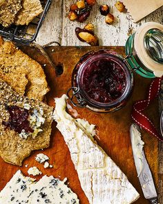 The perfect accompaniment to cheese, this beetroot relish is a great recipe to make and give to your host. Relish Recipes, Jelly Recipes, Chutney Recipes, Canning Recipes, Fruit Recipes, Yummy Recipes, Recipies, Beetroot Chutney Recipe, Beetroot Relish