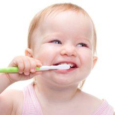Çağın'ın ilk diş hekimi randevusu vesilesiyle Dr. Buse Ayşe Serin ile Bebek ve Çocuklarda Diş Sağlığı hakkında bir söyleşi gerçekleştirdik.