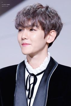 Find images and videos about kpop, exo and baekhyun on We Heart It - the app to get lost in what you love. Baekhyun Chanyeol, Exo Ot12, Chanbaek, Kpop Exo, Exo K, Hapkido, K Pop, Kim Jong Dae, Fluffy Hair