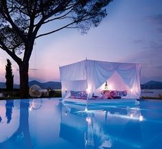 Swimming Pool With Romantic Outdoor Canopy Bed Design home trends design photos, home design picture at Home Design and Home Interior Canopy Bedroom Sets, Canopy Bed Curtains, Pool Canopy, Garden Canopy, Beach Canopy, Backyard Canopy, Fabric Canopy, Diy Canopy, Canopy Beds