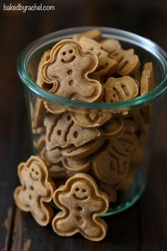 Classic soft and chewy gingerbread cookie recipe from @bakedbyrachel