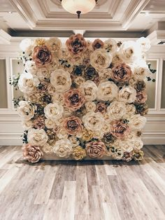 absolutely gorgeous flower wall