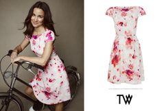Pippa Middleton. Tabitha Webb BHF Dress (£295). Pippa Middleton Style, Tom Kaulitz, Tabitha Webb, Kate And Pippa, Hollywood, Mode Inspiration, Creative, Designer, Short Sleeve Dresses