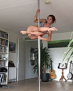 britt_bloem - Revisiting a little tumble to superman I used to teach  #WikiPole #poledance