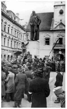 WWII. - 1941. - Croatia / NDH - Varaždin - rušenje spomenika Kralju Aleksandru
