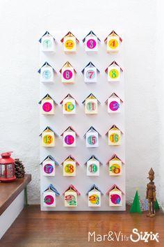 Advent Calendar with Paper Houses Christmas 2015, Christmas Baby, Simple Christmas, Diy Advent Calendar, Countdown Calendar, Advent Calendars, Easy Christmas Crafts For Toddlers, Toddler Crafts, Christmas Inspiration