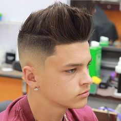 Different Hairstyles is now trendy, Everyone want to make a new look of their hairstyles. We are introducing your Trending short hairstyles for men. Short Haircut Styles, Best Short Haircuts, Haircuts For Men, Straight Hairstyles, Short Hairstyles, Fashion Hairstyles, Tapered Haircut, Types Of Curls, Crown Hairstyles