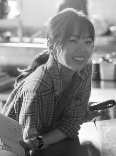 [채수빈] 화기애애한 '최강 배달꾼' 촬영 현장 속으로! : 네이버 포스트 Korean Actresses, Asian Actors, Korean Actors, Actors & Actresses, Chae Soobin, Beautiful People, Beautiful Women, Kdrama Actors, Airport Style