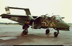 Aviones Caza Yov-10A Siete prototipo NA-300 con dos 600 env / 8 motores 6-G-T76, último fue trasladado en avión con YT74-P-1 motore