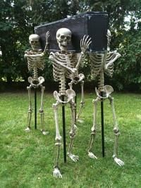Skeletons Carrying Coffin #diy