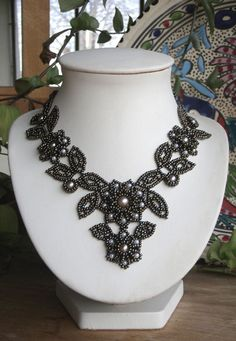 Black and White Pearl Intricate Woven Necklace
