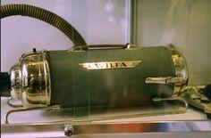 ~| The Vintage Vacuum Cleaner Museum -- Galaasen Wing |~