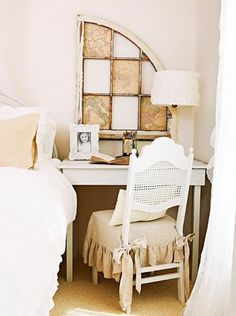 Flea-market finds and collections from France blend on an online shop owner's Illinois home.
