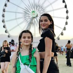 Annie & Hayley in coachella! Julianna Grace Leblanc, Hayley Leblanc, Annie Grace, Annie Lablanc, Young Celebrities, Celebs, Annie Angel, Annie Leblanc Outfits, The Perfect Daughter